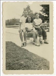 Elliott Gould seated with his mother and father in Luxor Manor, Ellenville, NY (Catskills), in the mid-1940s. Photo courtesy of Elliott Gould