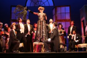 Rosalinde with fan & Chorus. Photo by Jen Joyce Davis